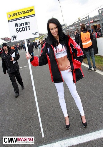 brands-hatch-2013-grid-girls-brands