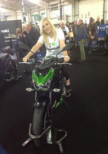 motorcycle-show-models-ingliston