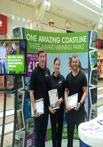 data-collection-and-flyering-staff-trafford-centre-manchester