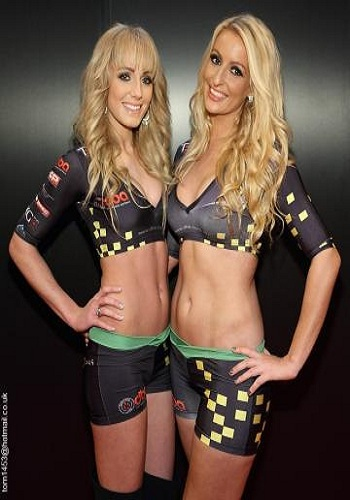 grid-girls-pit-girls-car-show-models
