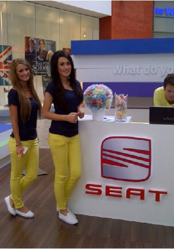 motor-sport-models-shopping-centre-promotional-staff